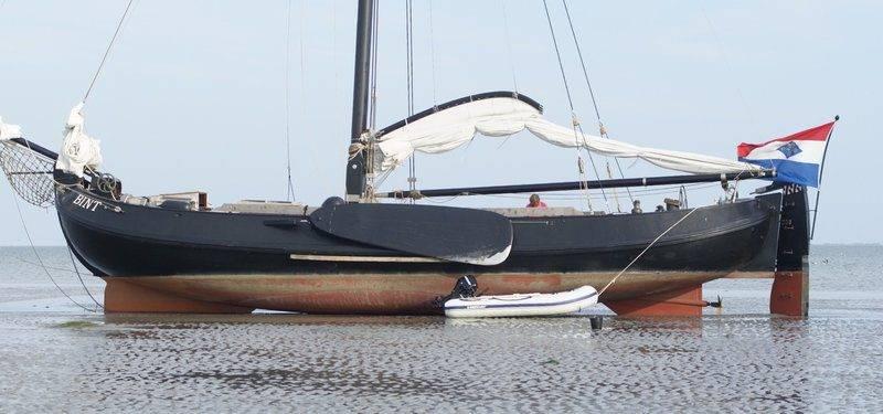 BINT Dutch Flat-bottom Boat